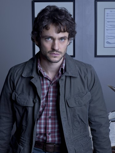 Hugh-Dancy-as-Special-Agent-Will-Graham-hannibal-tv-series-34285997-375-500
