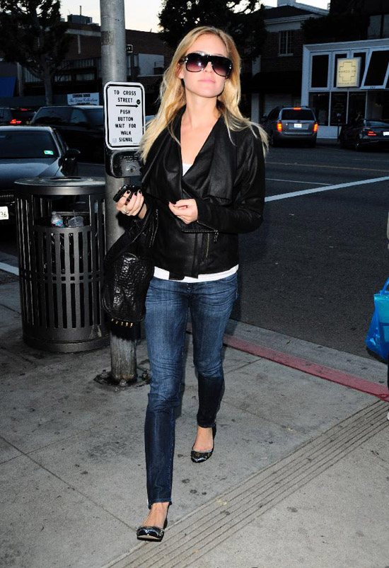 Kristin Cavallari shopping at Switch Boutique in Beverly Hills, CA