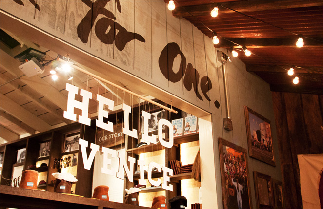 toms-venice_store-inside-03